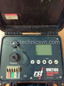 Sửa chữa máy ghi đo thiết bị dây rung RST-Canada
