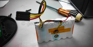 Thay pin bộ ghi đo chuyển vị ngang Digitilt AT