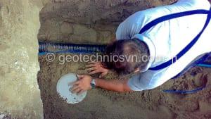 Lắp đặt thiết bị đo áp lực trong đất Pressure Cell