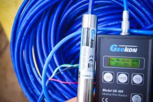 Thiết bị đo áp lực nước lỗ rỗng VW Piezometer và máy đọc GK-404